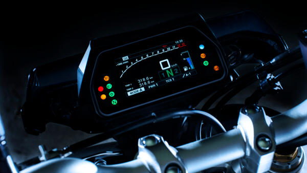 dash of the 2017 Yamaha MT10DX