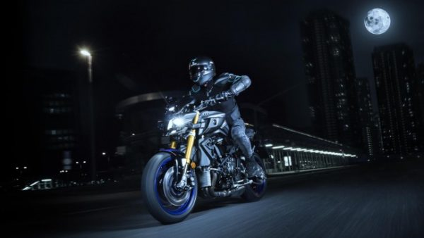 2017 yamaha mt10dx action shot