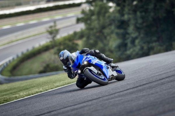 Yamaha YZF-R6 motorbike