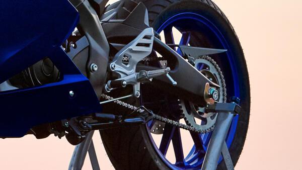 wheel Yamaha YZF R125 motorcycle