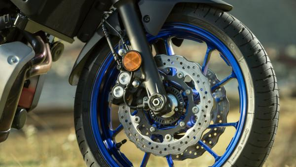 TRACER 7 adjustable front and rear suspension